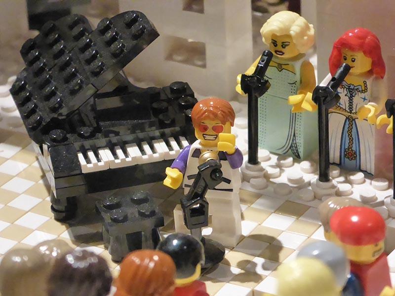 Lego Elton John - Jen Funk Weber
